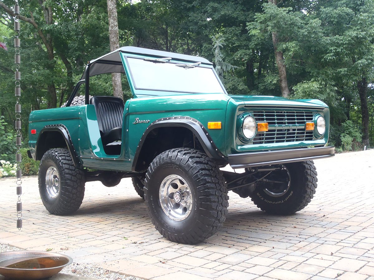 Rock Crawling Ford Bronco by Krawlers Edge