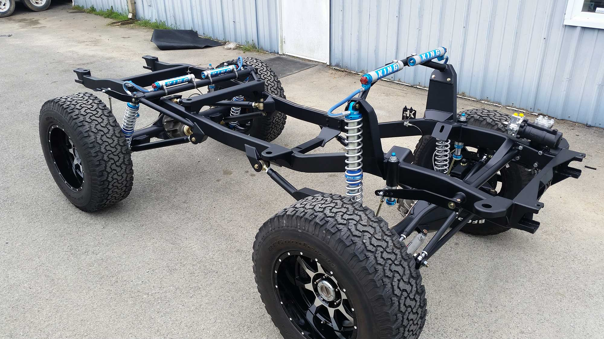 Krawlers Edge Early Bronco Chassis with King Coilovers